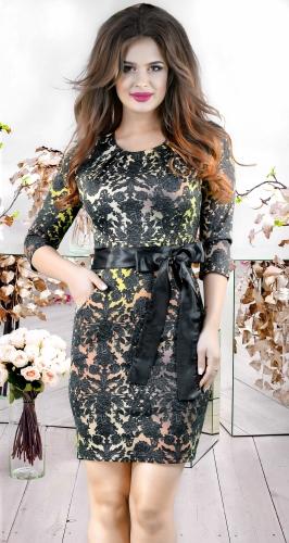 Эффектное платье с карманчиками и поясом