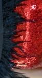 Роскошное красное платье из пайетки с перьями