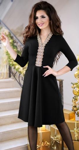 Милое черное платье с кристаллами
