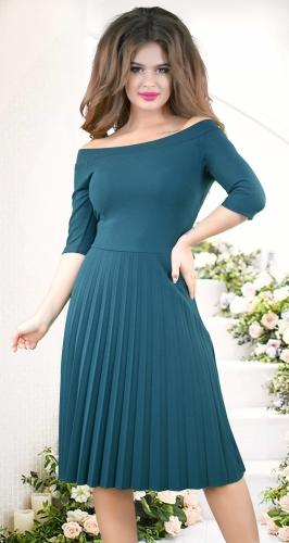 Нежное женственное платье с открытыми плечиками