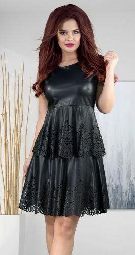Стильное ажурное платье из эко-кожи
