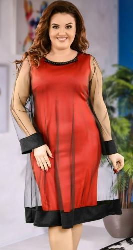 Нарядное платье  красного  цвета с сеточкой