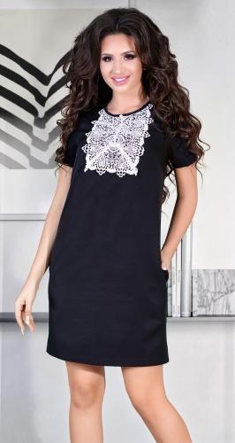 Милое черное платье с жемчугом и кружевом