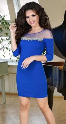 Вечернее платье цвета электрик со стразами