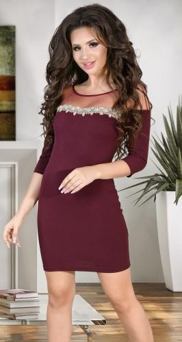 Вечернее платье цвета марсала со стразами