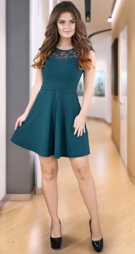 Красивое платье  с расклешённой юбкой № 35524,изумрудное