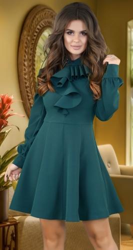 Красивое платье с расклешённой юбкой ,изумрудное