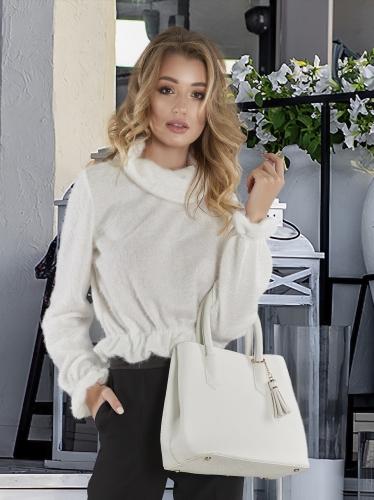 Белый пушистый свитер № 4138