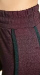 Мерцающий нарядный костюм цвета марсала
