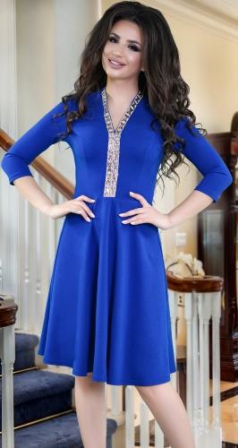 Ярко синее платье с V-вырезом