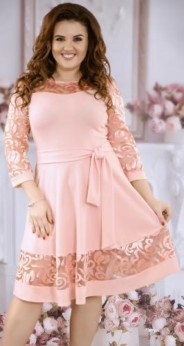 Очаровательное коктейльное платье цвета пудра