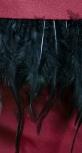 Трендовый шикарный костюм цвета марсала с перьями