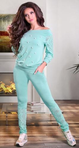 Очаровательный спортивный костюм бирюзового цвета
