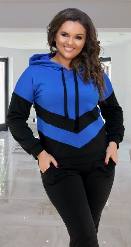 Чёрный стильный  костюм с ярко синей отделкой № 37391