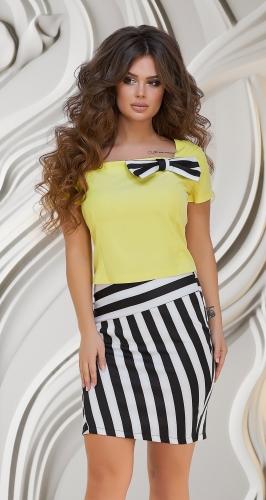 Костюм жёлтый с полосатой юбкой № 3348