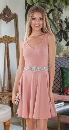 Лаконичное платье с расклешенной юбкой № 3963 , пудра