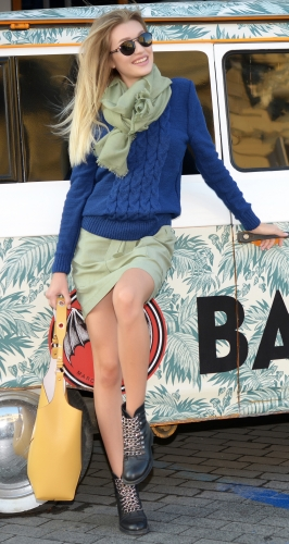 Вязанный свитер синий № V 90032
