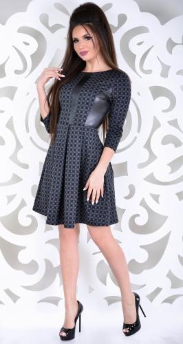 Стильное платье с эко кожей
