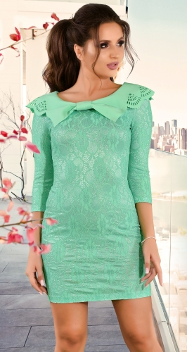 Нарядное гипюровое платье мятного цвета