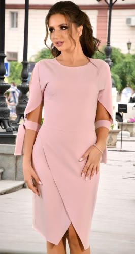 Стильное платье цвета пудра с завязками