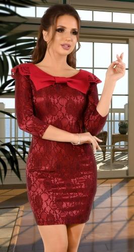 Нарядное гипюровое платье бордового цвета