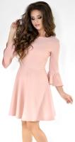 Пудровое нежное платье с расклешенной юбкой