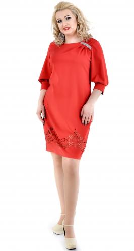 Нарядное красное платье с кристаллами