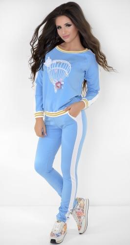 Голубой спортивный костюм с аппликацией