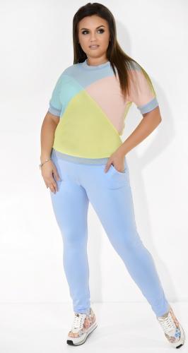 Голубой спортивный костюм с разноцветными вставками