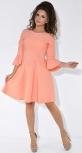 Персиковое нежное платье с расклешенной юбкой