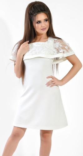 Нежное молочное платье с цветами