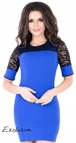 Элегантное платье цвета электрик с кружевом