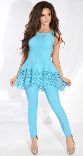 Роскошный брючный костюм № 3625L голубой
