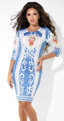 Очаровательное синее платье с узором