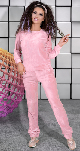 Розовый бархатистый спортивный костюм