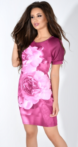 Бордовое платье с принтом роз
