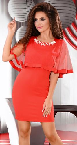 Красное коктейльное платье с жемчужинами