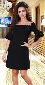 Черное коктейльное платье со стразами