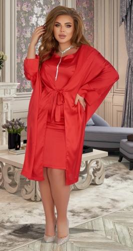 Нарядный красный костюм