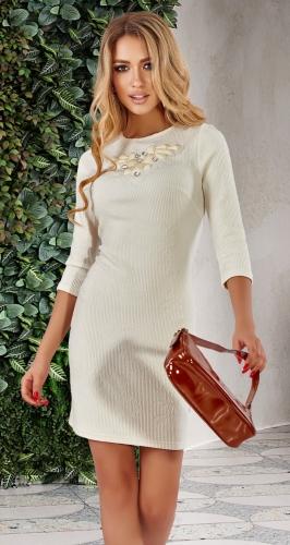 Красивое светлое платье
