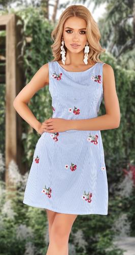 Лёгкое платье с вышивкой