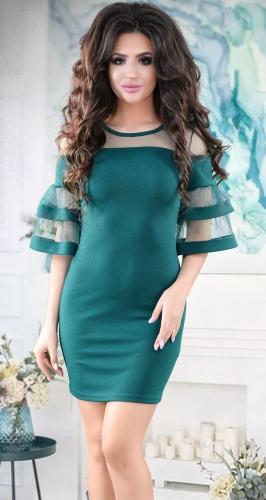 Элегантное коктейльное платье цвета изумруд